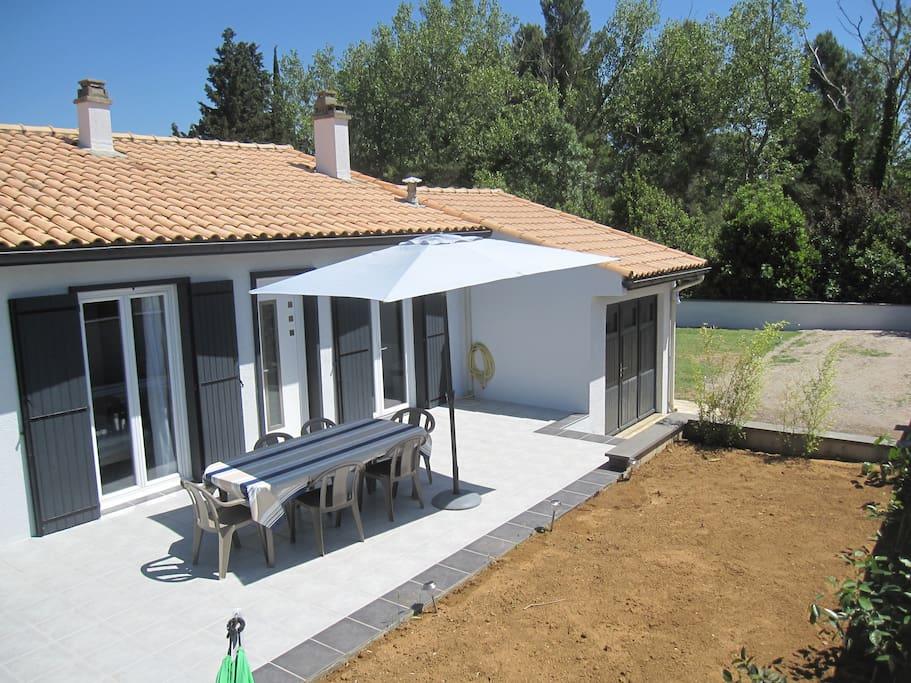 Villa f4 6 couchages terrain 600m2 ville in affitto a for Terrain meze