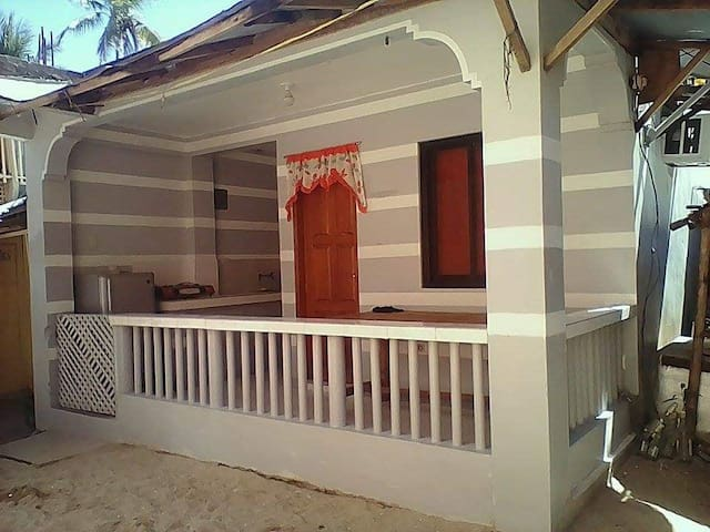 Laiya Beach Bungalow House 10 pax