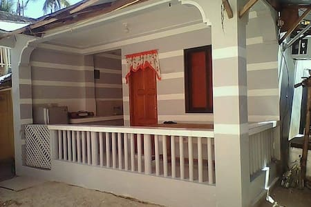 Laiya Beach Bungalow House 10 pax