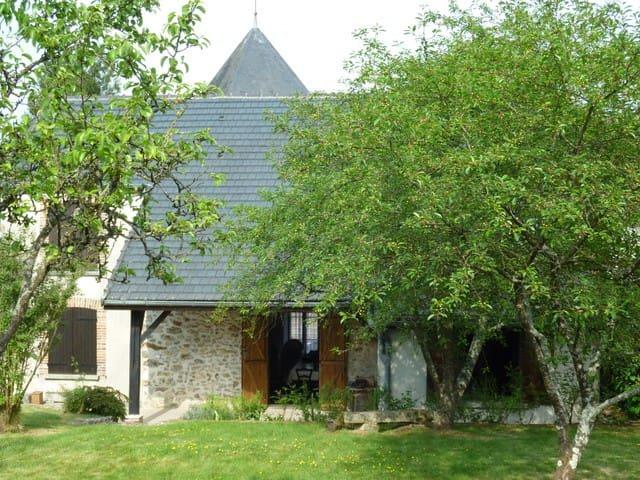 Maison de campagne+ jardin au calme - Corfélix - Ev