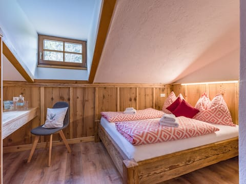 Alpine Lodge - Cozy Double Room in Nationalpark