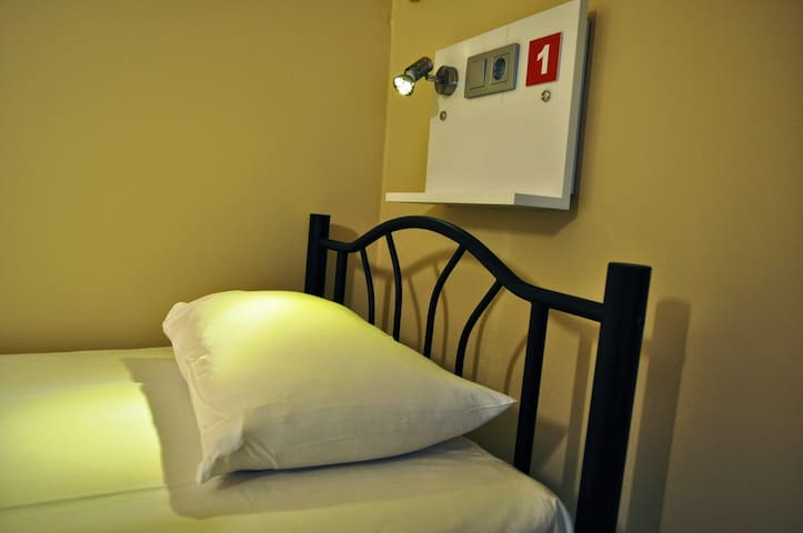 Antique Hostel, 6 bed FEMALE dorm en-suite
