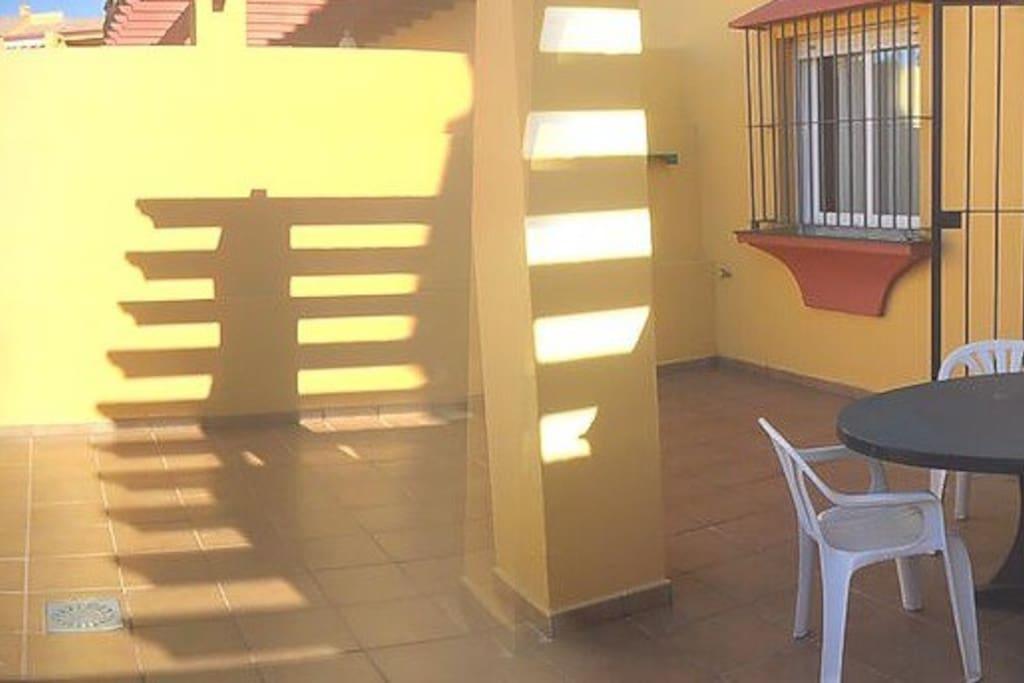 Foto panorámica de la terraza privada (¡tiene 40 m2!)