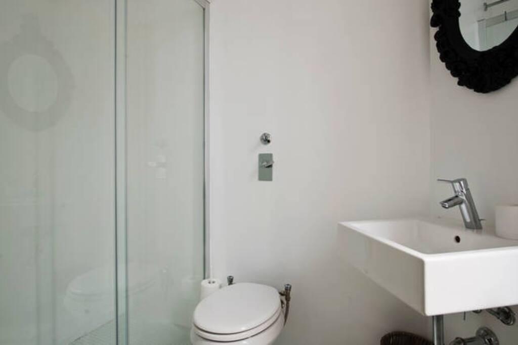 Bathroom Room A