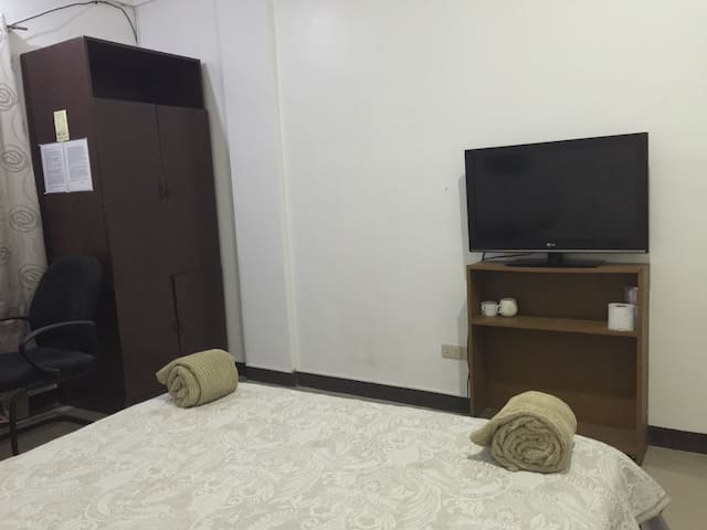 Room at Station 2, 2 minutes to the beach - Malay - Flat