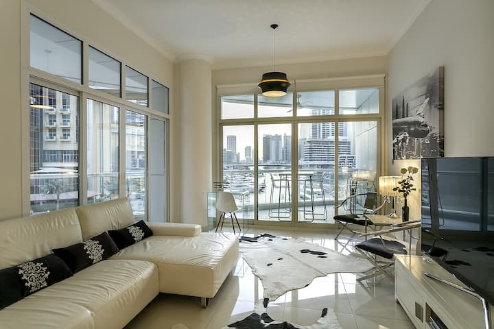 Bespoke Condo at Promenade l Breath Taking Views!!