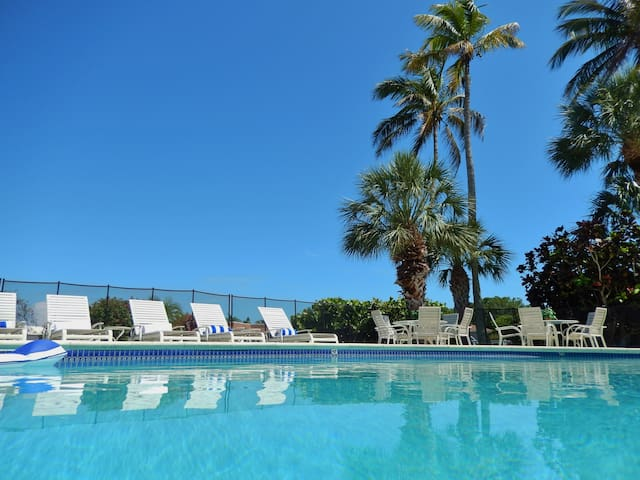 Amazing Pool, Views, Location & Layout, Free WiFi