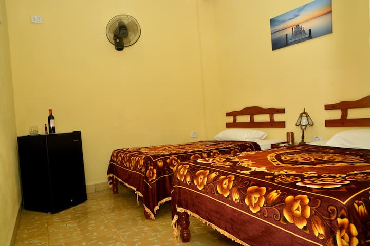 Hostal Santa Teresa - bedroom 1