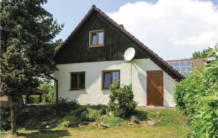 Holiday cottage with 2 bedrooms on 90m² in Svihov