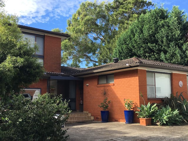 Cronulla House - 3 bedrooms, large deck and garden - Woolooware - Hus