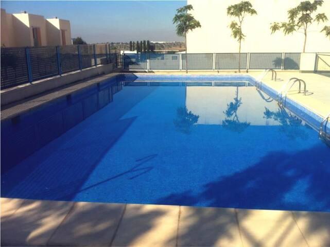 Relax & Swimming pool on the city - Paterna - Huoneisto