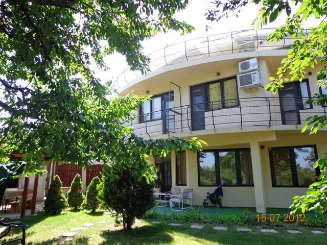 4-bedroom villa near Varna