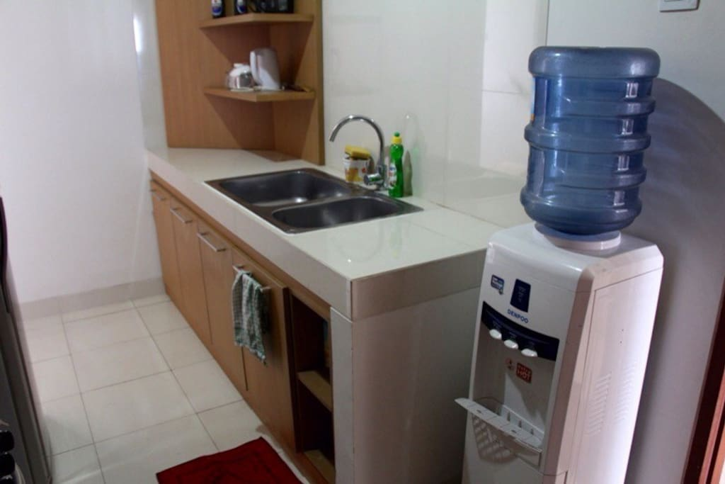 Cozy comfortable permata hijau stay apartments for rent for Kitchen set hijau