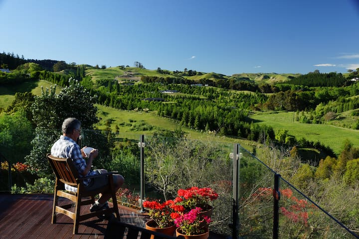 Stunning Rural Views & Two Bedrooms - Havelock North - Talo