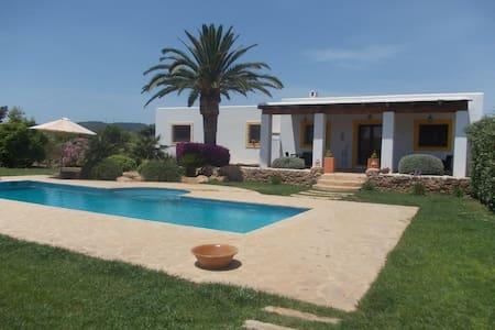 Preciosa casa ibicenca Can S'Hort ETV-1565-E