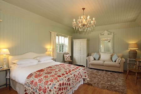 The Summer House - Bed & Breakfast