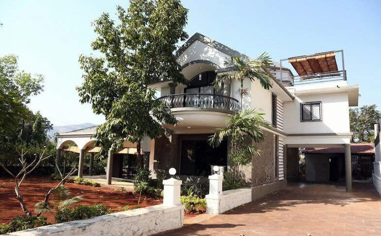4 BHK, Lavish Bunglow with a private Jacuzzi