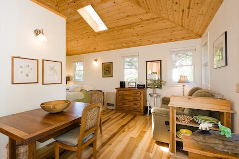 Secluded Garden Cottage nr Bolinas Beach