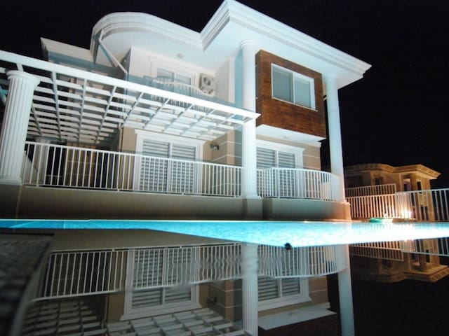Daily Rental 3+1 Villa in Sarigerme 1115 - Sarıgerme / Ortaca - Dům