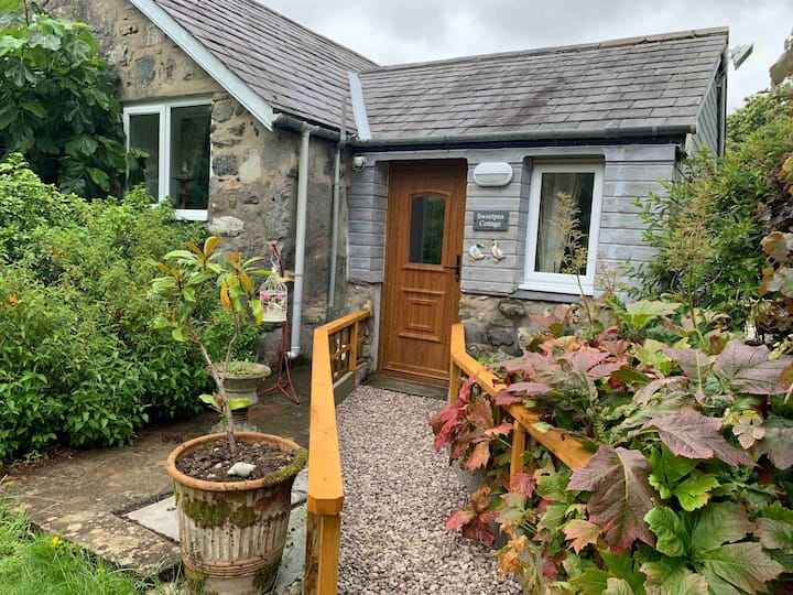 Cosy Cottage in Snowdonia National Park.