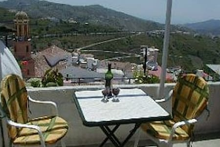 COMPETA HOUSE - Excellent prices. Views, tv & wifi - Cómpeta - House