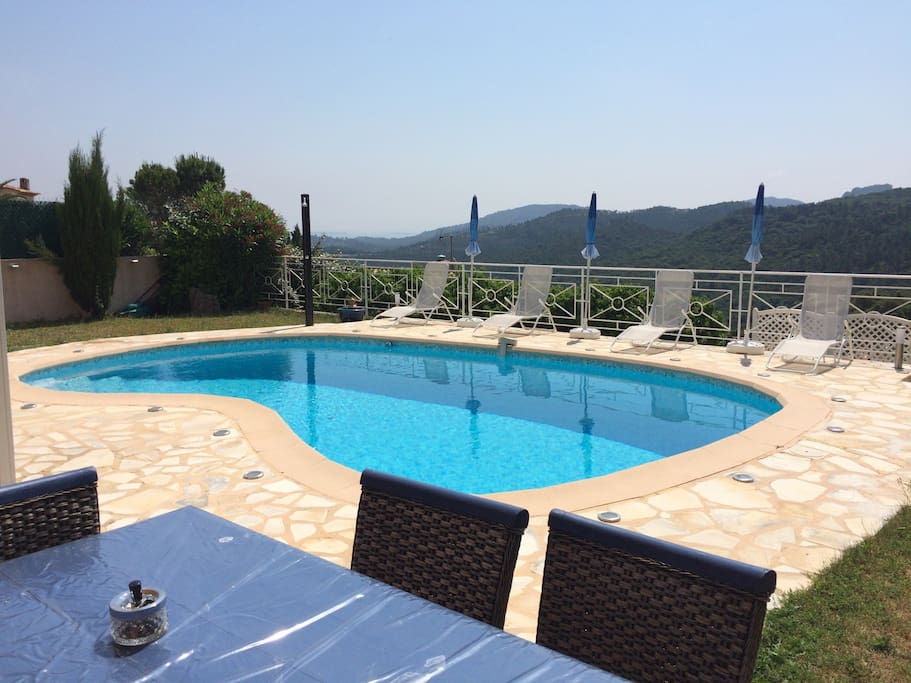 Location 2 pi ces avec piscine apartments for rent in for Camping alpes hautes provence avec piscine