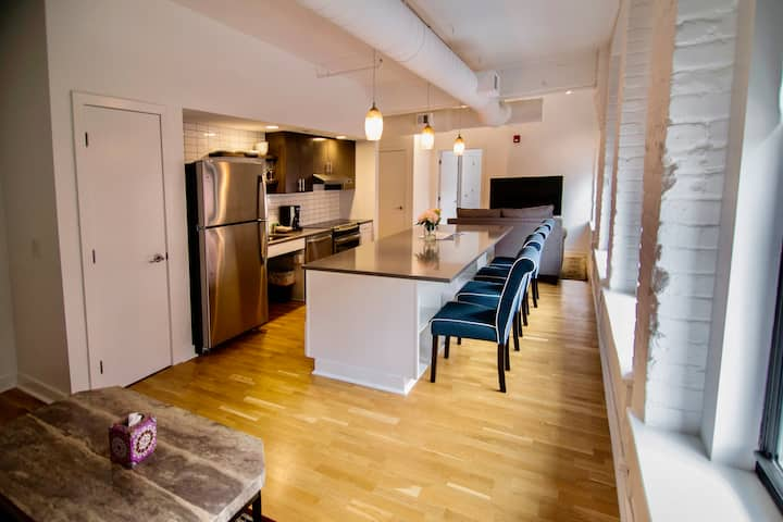 Woolworth Lofts - 2-Bed (313) Handicapped Access