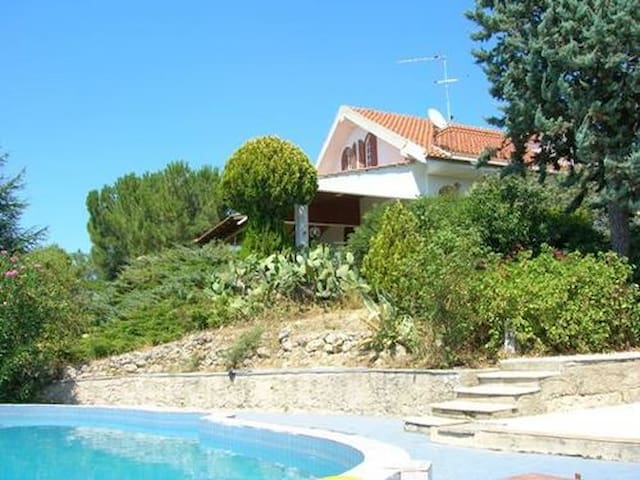 Country house with pool. Welcome! - Racalmuto - Penzion (B&B)