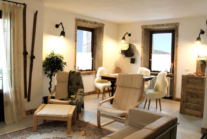Alpine chic apartment