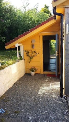 Yellow house is not available - Bergen - Apartment