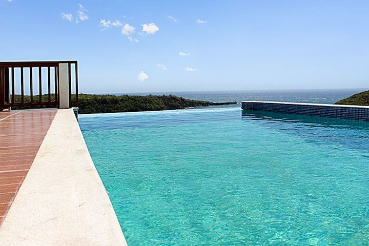 Luxury villa w pool, panoramic view - Saint Davids