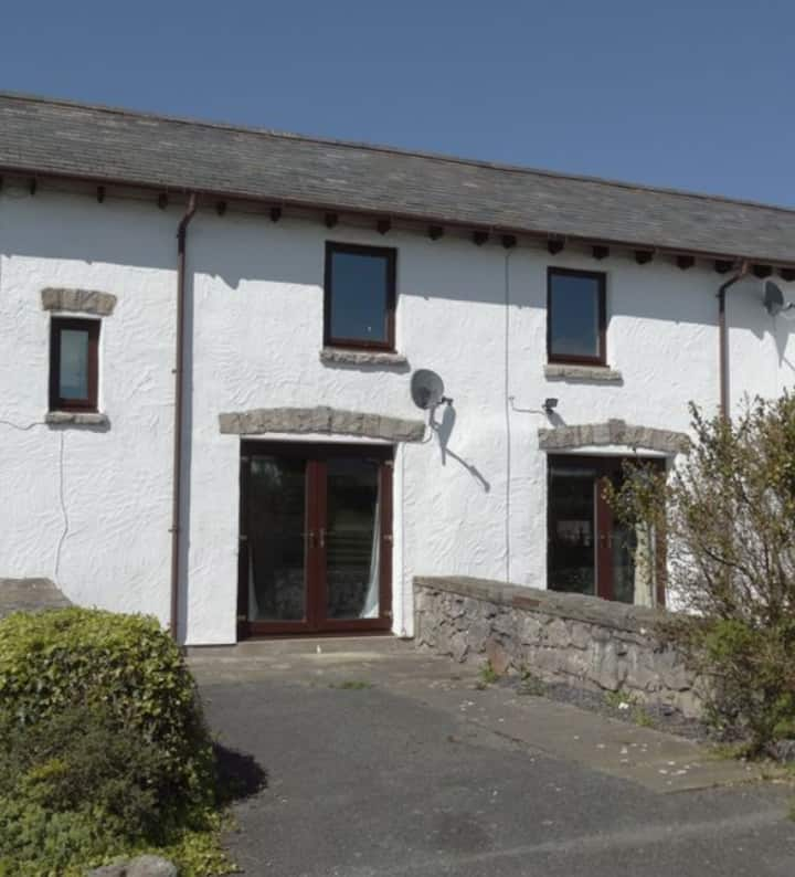 Charming Countryside Cottage, COLWYN BAY, CONWY
