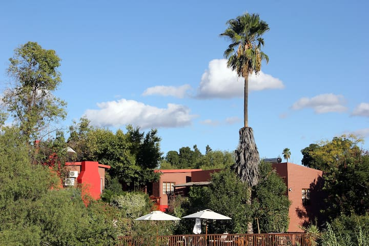 (SENSITIVE CONTENTS HIDDEN) Guest House - Double / Twin - Oudtshoorn - Bed & Breakfast