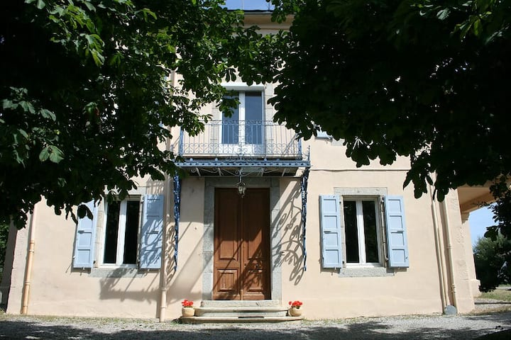 The little manor in Palau-de-Cerdagne