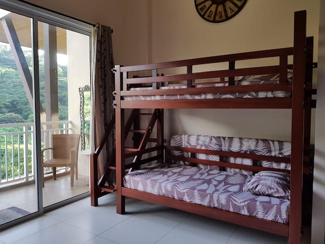 Double Deck with additional 2 floor mattresses