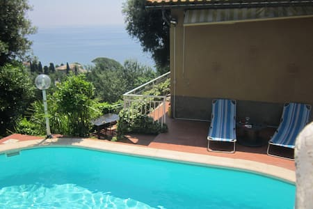 swimming pool, amazing view - Cogoleto