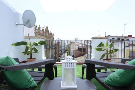Penthouse Studio by the Cathedral - Sevilla