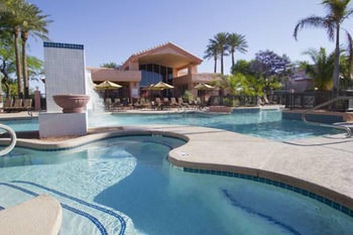 Phoenix Open Scottsdale Villa Mirage Resort