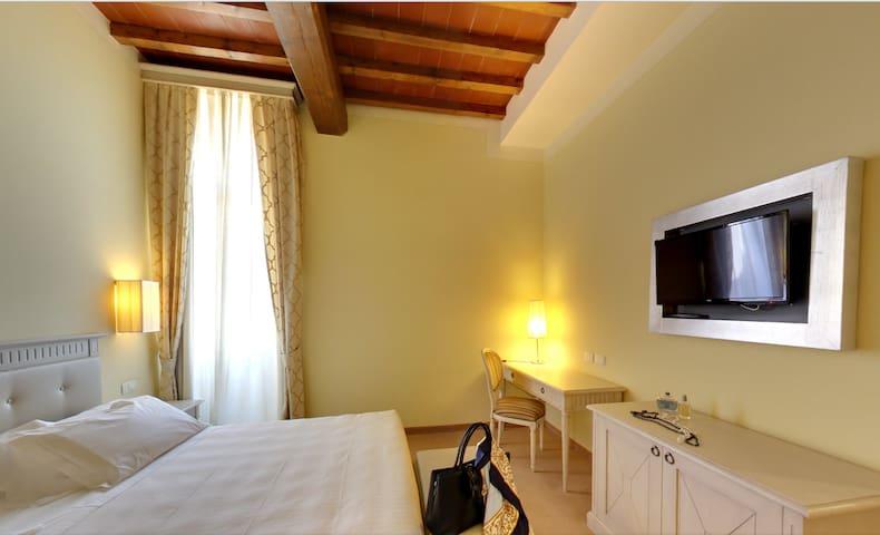 HOLIDAYS IN TUSCANY - Certaldo - Bed & Breakfast