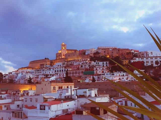 Habitación en el corazón de Ibiza.. - Eivissa - Huoneisto