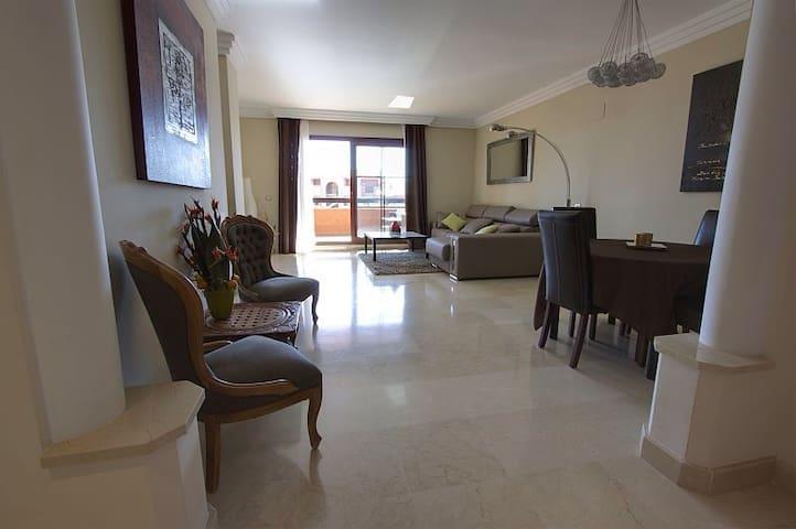 Marbella Luxury Sea & Mountain view - Marbella - Lägenhet
