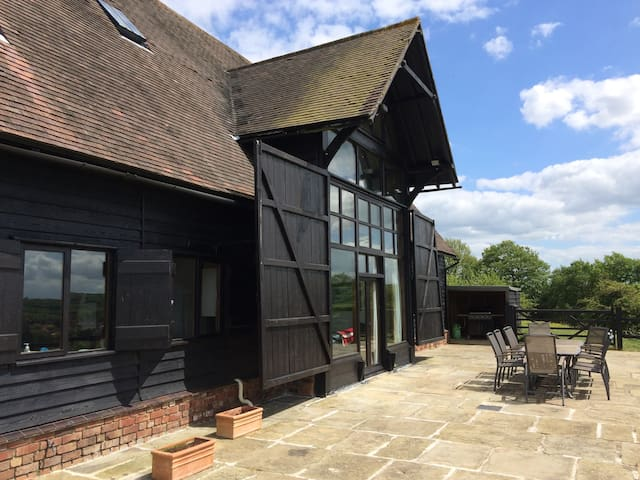 Traditional Kentish Barn, up to 20 people
