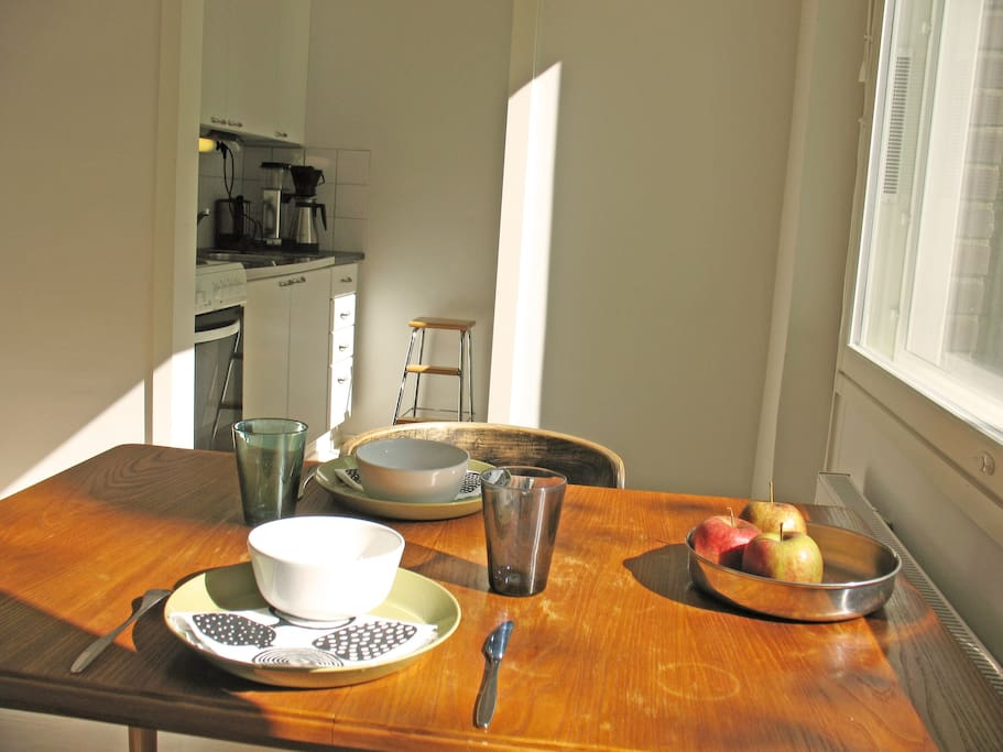 Dining room, with view to kitchen. Enjoy your breakfast with sunlight.