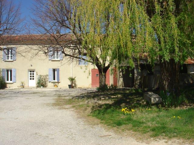 Chez Janine et Alain - Visan - House