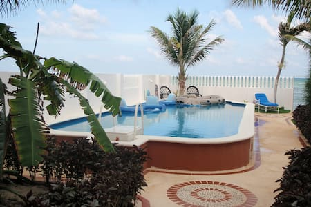 Great Beach House in Pourto Morelos