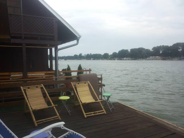 Charming River House Ada Ciganlija - Belgrade - Hus