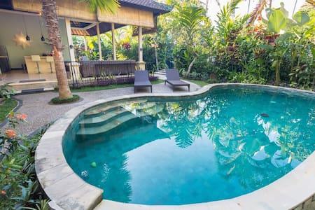 CasaRaja Family Villa 2BR+2BA+Pool