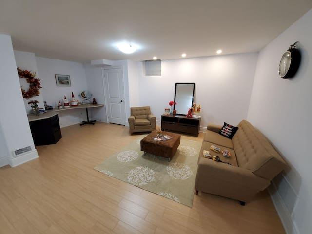 2 Private rooms in a bright and specious basement