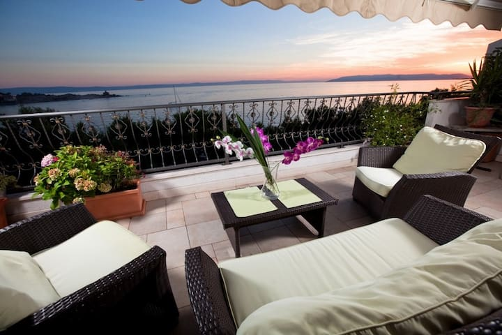 Deluxe beach apartment - Makarska - House