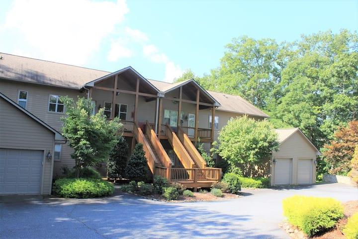 Large Mountain Resort Condo